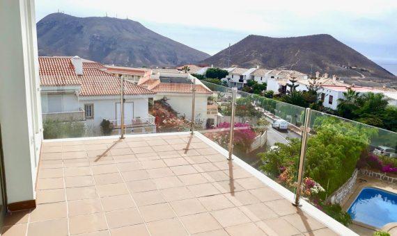 Casa en Arona,  Chayofa, 172 m2, terraza, balcon   | 2