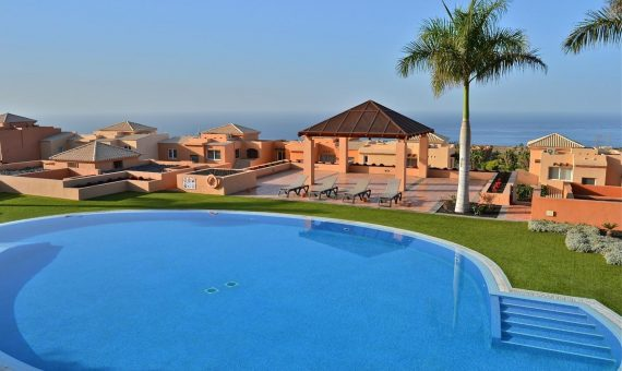 Villa in Adeje,  Golf Costa Adeje, 120 m2, garden, terrace, balcony, garage, parking   | 1