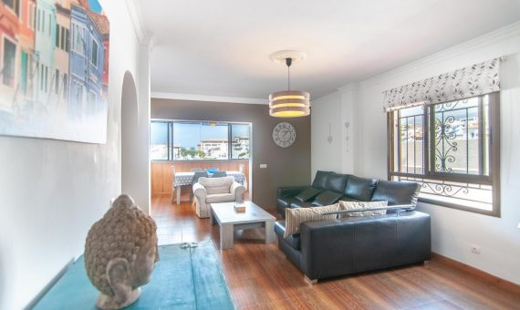 Townhouse in Adeje,  Playa Paraiso, 145 m2, fully furniture, garden, terrace, garage, parking     4