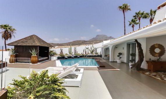 Casa en Arona,  Chayofa, 250 m2, con mueble, jardin, terraza   | 2