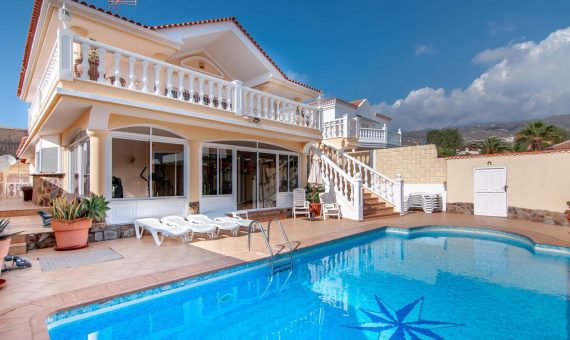 Villa in Adeje,  Callao Salvaje, 225 m2, fully furniture, terrace, balcony   | 122977-570x340-jpg