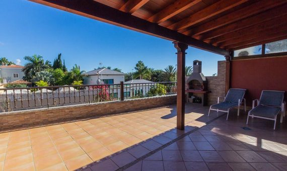 Villa in Adeje,  Bahia del Duque, 267 m2, fully furniture, terrace, balcony, garage, parking   | 2
