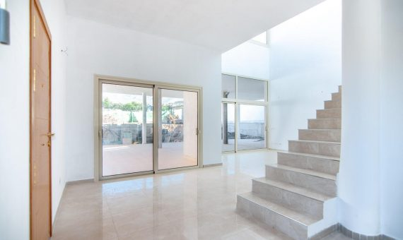 Villa in Adeje,  El Madroñal, 347 m2, garden, terrace, garage, parking   | 2