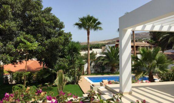 Villa in Adeje,  Playa Paraiso, 180 m2, fully furniture, garden, terrace, garage, parking   | 3