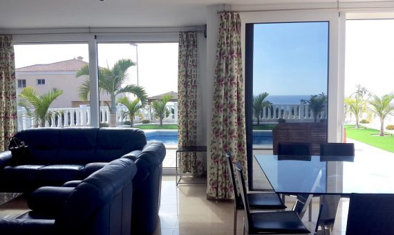 Villa in Adeje,  Callao Salvaje, 180 m2, fully furniture, garden, terrace, balcony, garage, parking   | 4