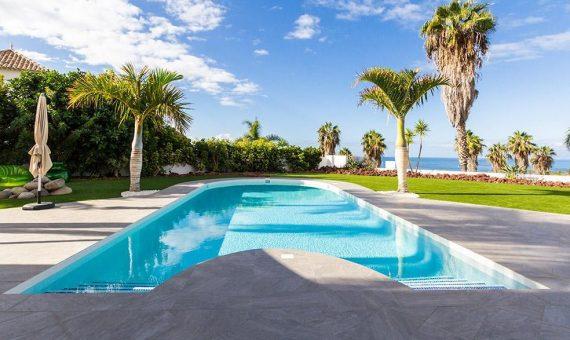 Villa in Adeje,  Golf Costa Adeje, 381 m2, fully furniture, garden, terrace, balcony, garage, parking   | 3