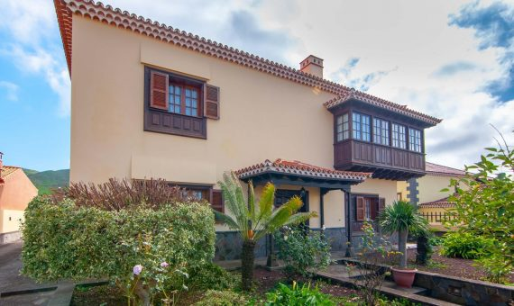 Villa in Vega de Las Mercedes, 420 m2, fully furniture, garden, terrace, garage, parking   | 4