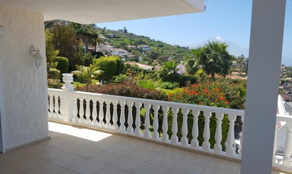 Villa in El Sauzal, 332 m2, fully furniture, garden, terrace, balcony, garage, parking   | 3