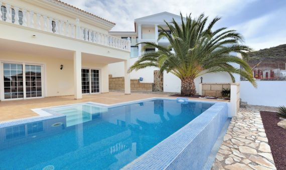 Villa in Adeje,  Roque del Conde, 269 m2, garden, terrace, garage, parking   | 4