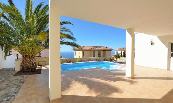 Villa in Adeje,  Roque del Conde, 269 m2, garden, terrace, garage, parking   | 3