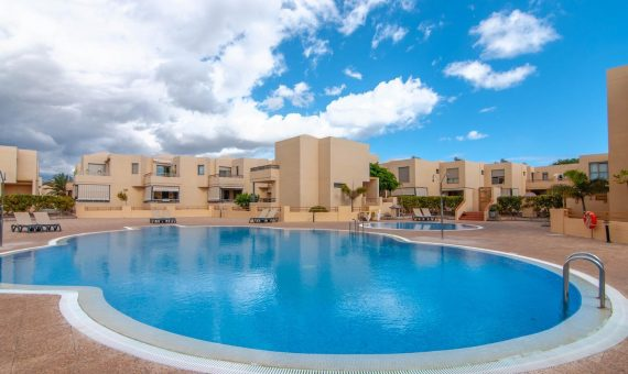 Таунхаус в Гранадилья,  Эль-Медано, 176 м2, с мебелью, террасса, гараж   | 126776-570x340-jpg