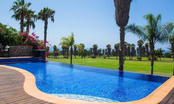 Villa in Adeje,  Golf Costa Adeje, 374 m2, fully furniture, garden, terrace, garage, parking   | 3