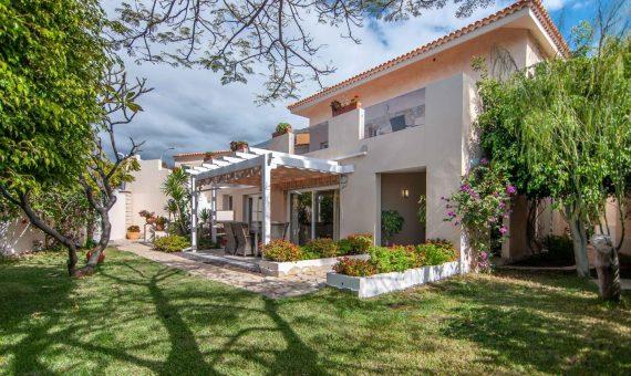 Villa in Adeje,  San Eugenio Alto, 281 m2, fully furniture, garden, terrace, garage, parking   | 127249-570x340-jpg
