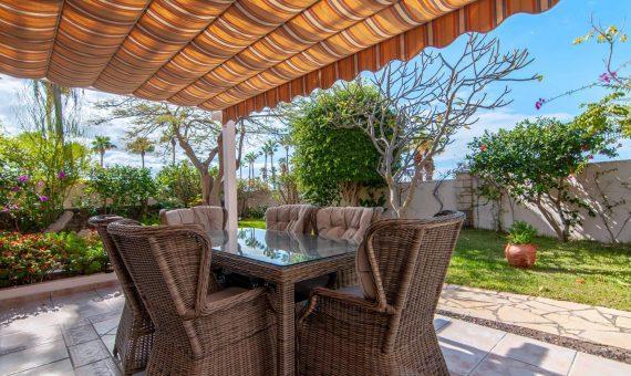 Villa in Adeje,  San Eugenio Alto, 281 m2, fully furniture, garden, terrace, garage, parking   | 3
