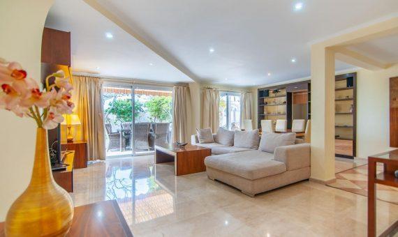 Villa in Adeje,  San Eugenio Alto, 281 m2, fully furniture, garden, terrace, garage, parking   | 4