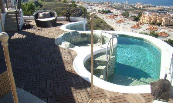 Villa in Adeje, city Torviscas Alto, 260 m2, fully furniture, garden, terrace, balcony, garage, parking   | 37569-570x340-jpg