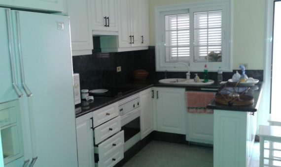 Villa in Adeje,  San Eugenio Alto, 270 m2, garden, terrace, garage, parking   | 4