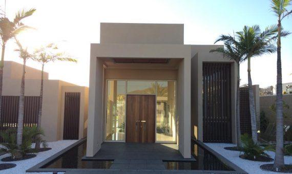 Villa in Adeje,  Golf Costa Adeje, garden, terrace, balcony, garage, parking   | 1
