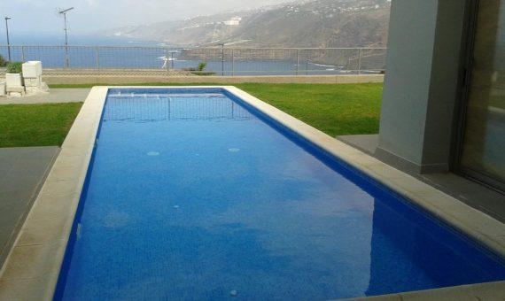 Villa in Puerto de la Cruz, 242 m2, garden, terrace   | 1