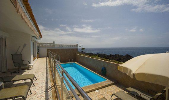 Casa en Guia de Isora,  Playa San Juan, 220 m2, jardin, terraza, garaje, aparcamento, aparcamento   | 2