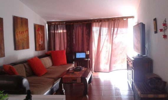 Villa in Arona,  Chayofa, 160 m2, partially furniture, garden, terrace, balcony, garage, parking     4