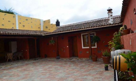 Villa in Ruigomez, 300 m2, fully furniture, terrace, garage, parking   | 1