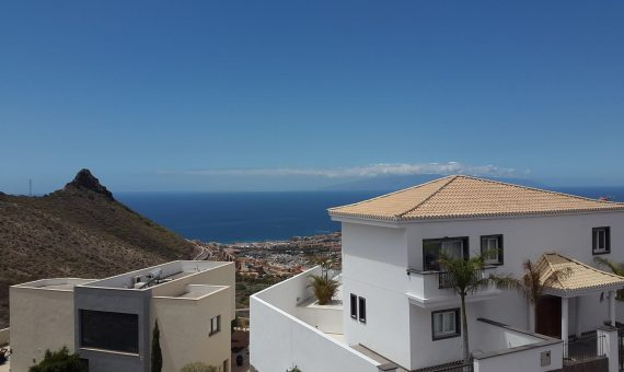 Villa in Adeje,  Roque del Conde, 564 m2, terrace, balcony, garage, parking   | 68472-570x340-jpg