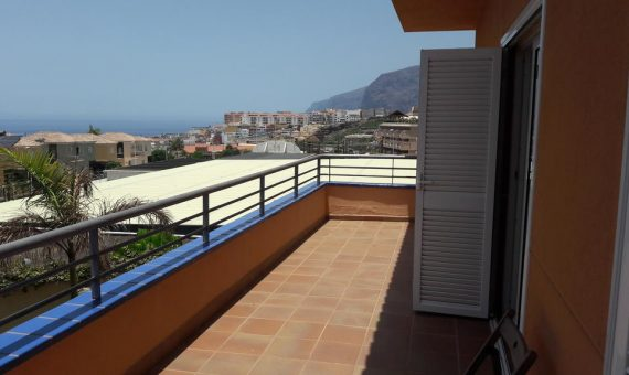 Townhouse in Santiago del Teide,  Los Gigantes, 182 m2, fully furniture, garden, terrace, garage, parking   | 3