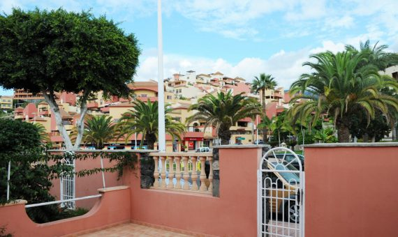 Townhouse in Adeje,  Bahia del Duque, 206 m2, terrace, balcony, garage, parking   | 3