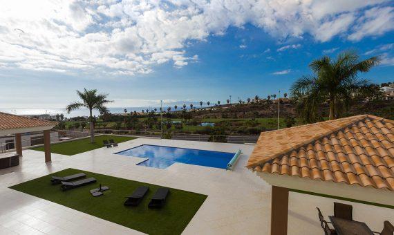 Villa in Adeje,  Golf Costa Adeje, 345 m2, fully furniture, garden, terrace, garage, parking   | 97361-570x340-jpg