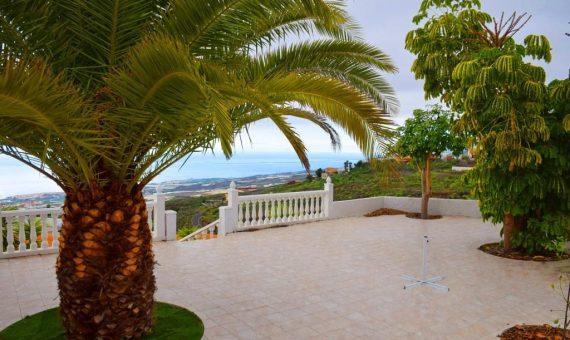 Villa in Guia de Isora,  Guía de Isora, 250 m2, partially furniture, garden, terrace, garage, parking     97744-570x340-jpg