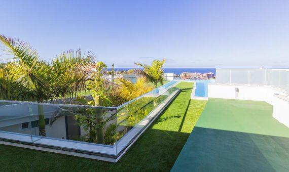 Villa in Adeje,  Playa Paraiso, 369 m2, fully furniture, garage, parking     4