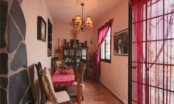 Villa in Granadilla,  El Medano, 224 m2, garden, terrace, garage, parking   | 2