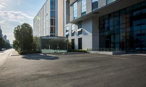 - Продажа нового коммерческого помещения в Льорет-де-Мар
