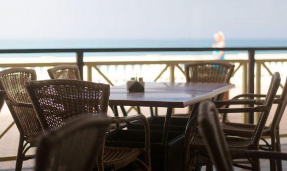 Traspaso de restaurante en paseo marítimo | shutterstock_702593446-570x340-jpg
