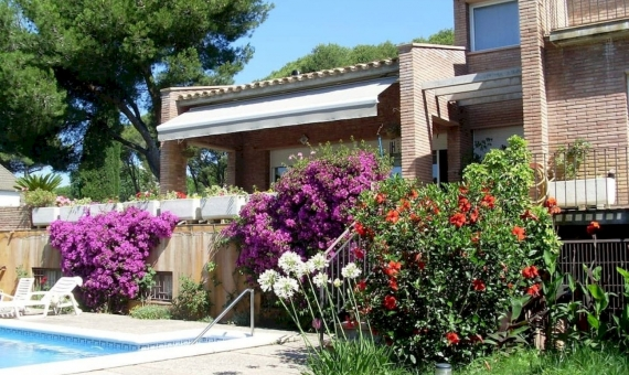 Villa with beautiful garden on sale in Playa de Aro, Costa Brava | 1