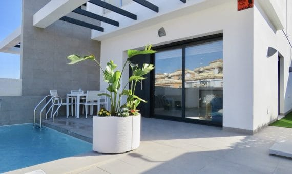 Semi-detached house in Alicante, Orihuela Costa, 100 m2, pool   | g_8c5z5zastvrusfqvaicn-570x340-jpg