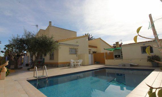 Villa in Alicante, Torrevieja, 150 m2, pool   | g_ole_092bbdb1-c658-46ba-b69c-2e7120cee7e7-570x340-jpg