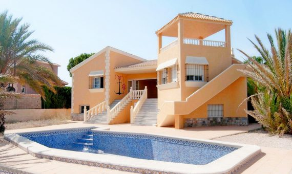 Villa in Murcia, La Manga del Mar Menor, 465 m2, pool -