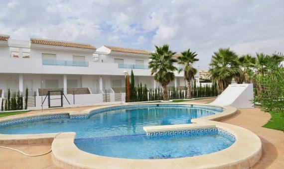 Townhouse in Alicante, Torrevieja, 74 m2, pool   | g_ole_308a51bf-de92-a845-87b8-c0ad10b23e44-570x340-jpg