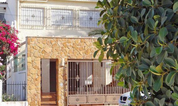 Villa in Alicante, Torrevieja, 145 m2, pool   | g_ole_4652714e-a1e3-44a8-b709-b04e0f10578c-570x340-jpg