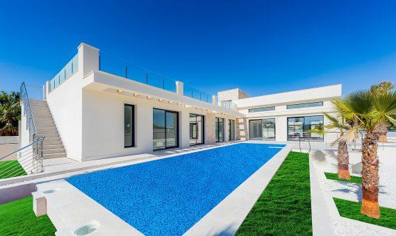 Villa in Alicante, Torrevieja, 285 m2, pool   | g_ole_ad985a81-1880-a141-8771-14092557b00e-570x340-jpg