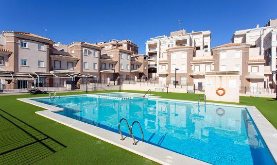 Townhouse in Alicante, Santa Pola, 95 m2, pool   | g_ole_c3244373-eb31-47de-8cd7-45b166f28d3a-570x340-jpg
