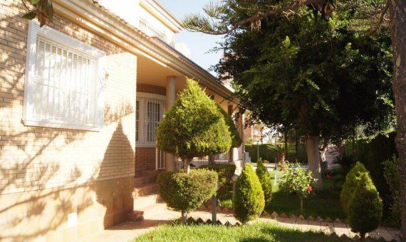 Villa in Alicante, Torrevieja, 320 m2, pool   | g_ole_c8f49a24-3e17-4939-a609-f129c2a84735-570x340-jpg