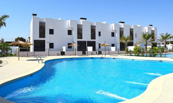 Bungalow in Alicante, Orihuela Costa, 73 m2, pool -