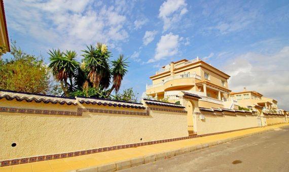 Villa in Alicante, Orihuela Costa, 318 m2, pool -