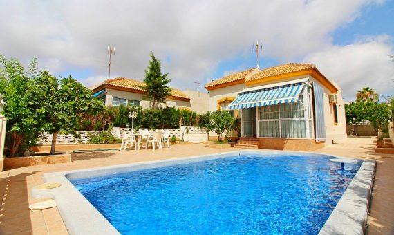 Villa in Alicante, Torrevieja, 70 m2, pool   | g_ole_f04a0c99-279a-486c-9d98-9ee14dfc6284-570x340-jpg