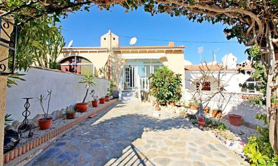 Bungalow in Alicante, Torrevieja, 67 m2, pool   | g_sce27zgaek4aw47jrtek-570x340-jpg