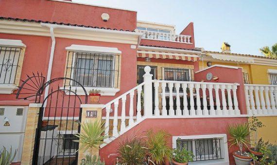 Semi-detached house in Alicante, Torrevieja, 143 m2, pool   | g_y6uzyjyxmozxbfzef685-570x340-jpg