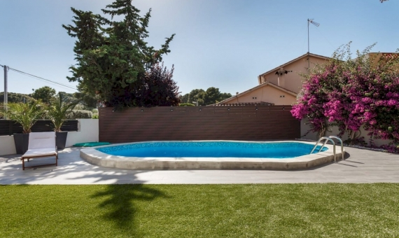 Modern house with swimming pool in Castelldefels | 2